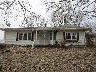 2 Bed 1 Bath Foreclosure Property in Ford City, PA 16226 - Bailey Ave