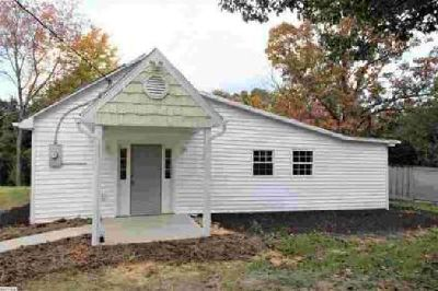 172 Thorofare Rd Crimora Three BR, Nicely remodeled home.