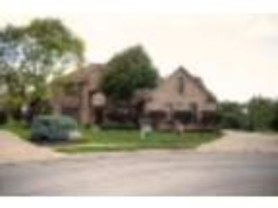 10516 Doral Cir, Fishers, IN