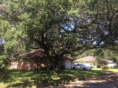 2 Bed 1 Bath Preforeclosure Property in Stafford, TX 77477 - Lawrence Ln