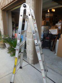 Gorilla Ladder 13 Positions - Professional 4-in-1 Ladder with extras