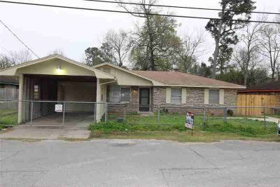 745 W Park Street VIDOR Three BR, Come see this