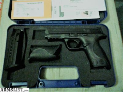 For Sale: Smith & Wesson M&P9mm full size