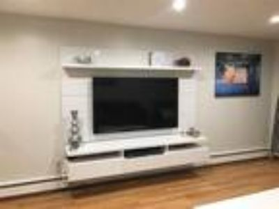 This great One BR, One BA sunny apartment is located in the area on Charlesbank