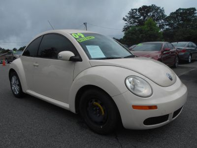 2009 Volkswagen New Beetle Base (Beige)