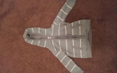 2t zipper hoodie boys from circa Grey with white strips