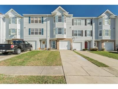 3 Bed 2 Bath Foreclosure Property in Middle River, MD 21220 - Hunting Fields Rd