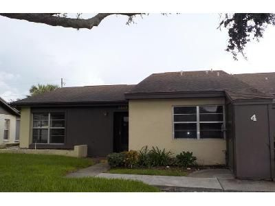 2 Bed 2 Bath Foreclosure Property in Holiday, FL 34691 - Staysail Ln