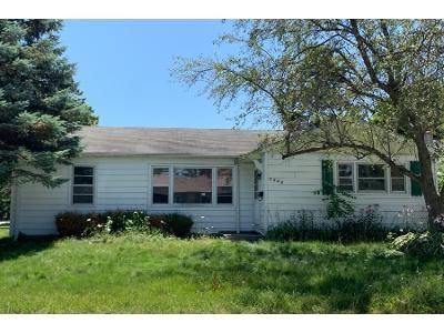 3 Bed 1 Bath Foreclosure Property in Winthrop Harbor, IL 60096 - 10th St