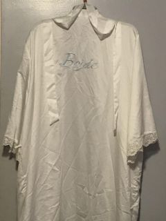 BRIDE ROBE. 3X for Extra room and comfort and ability to put over gown if need be to protect.