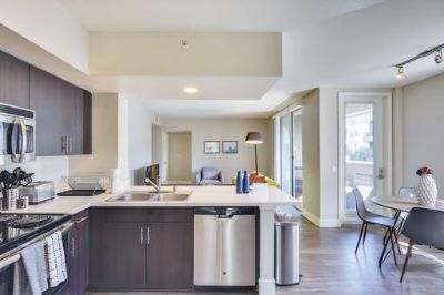 $4590 2 apartment in West Los Angeles