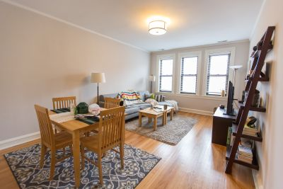 Beautiful and Spacious Updated 1bed in North Center - Dishwasher - Cats OK - Gas INCl