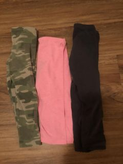 Girls capri leggings size 5 & 5/6. All fit the same. Great condition! $1 each