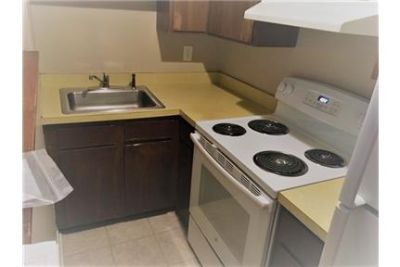 Beautiful first floor, 1 bedroom apartment in a great location. $750/mo