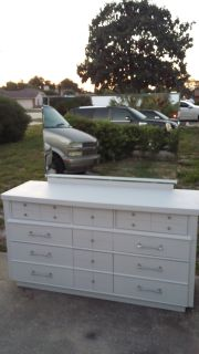 Vintage / Retro 1950'S Solid Wood 9 Drawer Dresser with Mirror.