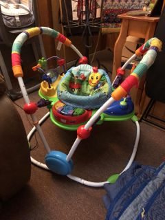 Baby bouncer activity center
