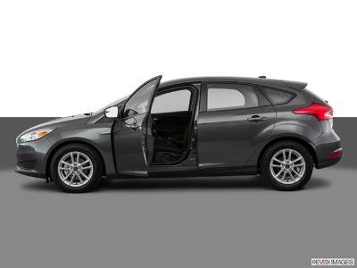 2018 Ford Focus SE (Ingot Silver)