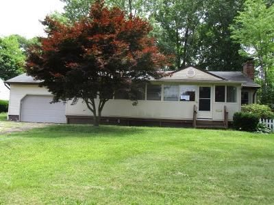 2 Bed 1 Bath Foreclosure Property in Youngstown, OH 44511 - Rosewae Dr