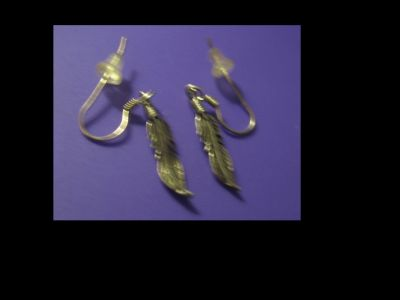 925 Sterling Silver Casted Feather Shepherd Hook Dangle Ear4rings Pre-Owned