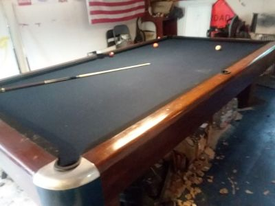 Brunswick Sportsman 10 by 5 pool table
