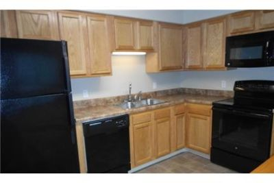 2 Bed 1 Bath Upper with Balcony