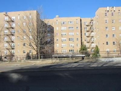 1 Bed 1 Bath Foreclosure Property in Yonkers, NY 10701 - N Broadway Apt 718