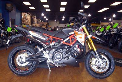 2018 Aprilia Dorsoduro 900 Street / Supermoto Motorcycles Elk Grove, CA