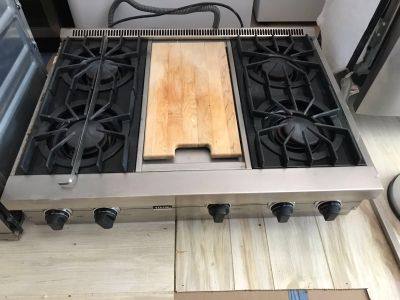 Viking 36 Gas Cooktop and Exhaust - Used / Excellent Condition