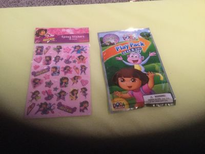 Dora Play Pack & Stickers