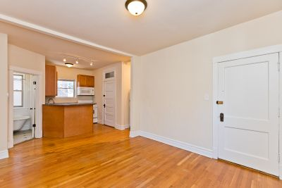 Perfect Portage Park Rehabbed 2 bed with Heat Included, Dishwasher, Easy Parking!