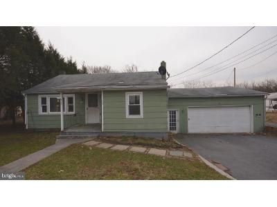 2 Bed 1 Bath Foreclosure Property in Chambersburg, PA 17202 - Sollenberger Rd
