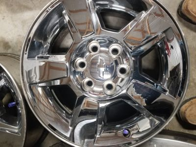 "18"" FACTORY CHEVY 6 LUG WHEELS ONLY."