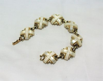 "Vintage White Bracelet 7"" Chunky Chain Link Statement X Gold Tone"