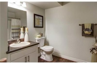 2 bedrooms Apartment - Perfectly combining luxurious and comfort. Washer/Dryer Hookups!
