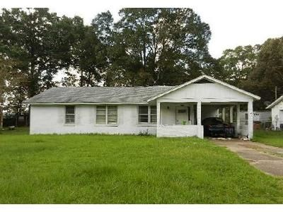 3 Bed 1 Bath Foreclosure Property in Mobile, AL 36608 - David Langan Dr S