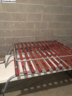Bus roof rack