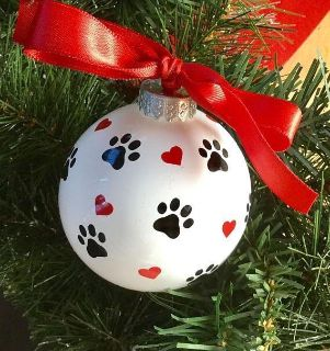 Dog paw print and hearts ornament can personalize