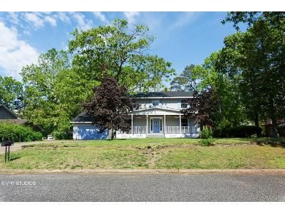 4 Bed 3 Bath Foreclosure Property in Millville, NJ 08332 - Homestead Dr