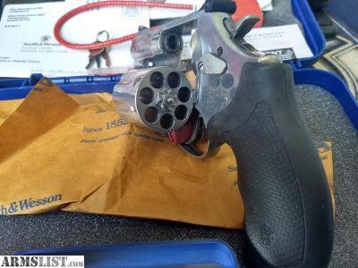 "For Sale: NIB Smith & Wesson 686 Plus 7-shot .357 Magnum 2.5"""