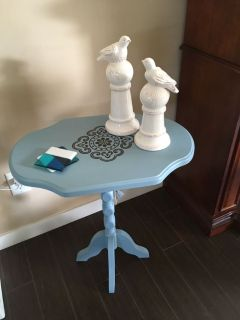 Sweet Accent Table