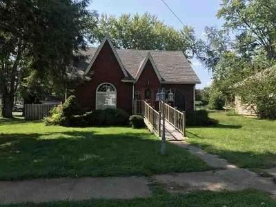 4 Bed 1 Bath Foreclosure Property in Carrollton, KY 41008 - 10th St