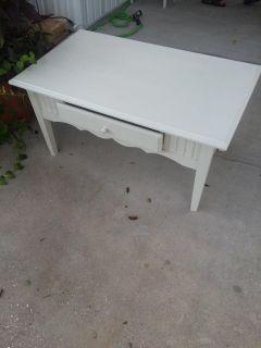 Nice white coffee table with drawer