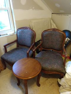 2 chairs with matching table