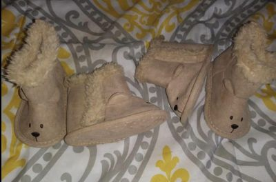 0-3 month boots 2 pairs 3.00 each read below
