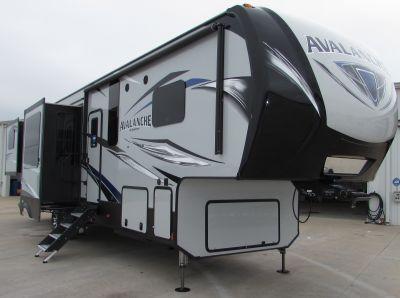 2019 Keystone Avalanche 375RD