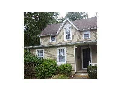3 Bed 1.5 Bath Foreclosure Property in Allendale, NJ 07401 - Mallinson St