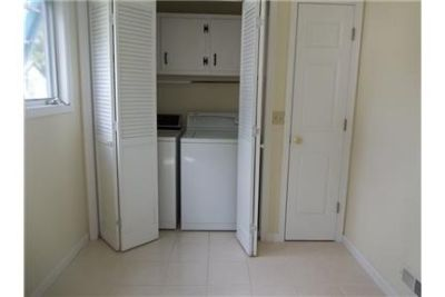 Outstanding Opportunity To Live At The Williamsburg City Club. Washer/Dryer Hookups!