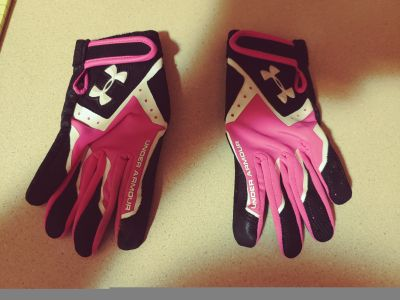 Childs sz med Under Armour batting gloves