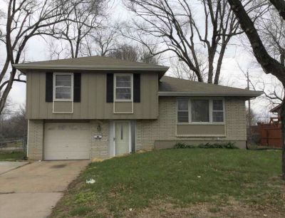 $940 3 apartment in Raytown