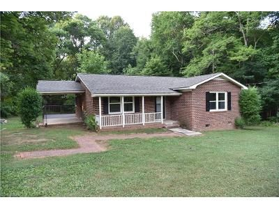 3 Bed 1 Bath Foreclosure Property in Kernersville, NC 27284 - Charlie Rd